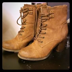 Madden Girl size 9 leather boots